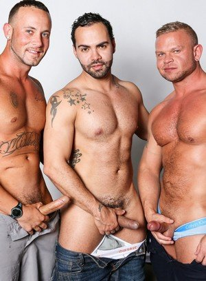 Big Dicked Gay Daxton Ryder,Alejandro Fusco,Marxel Rios,