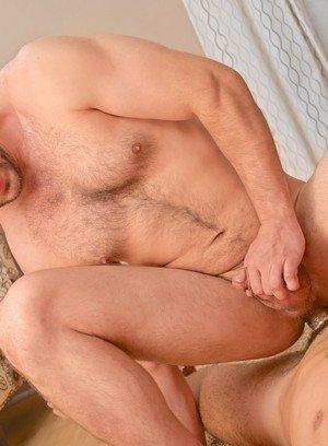 Muscle man David Chase,Enzo Rod,