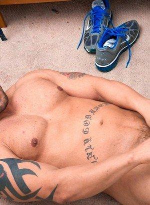 Hunky Gay Alejandro Fierraro,
