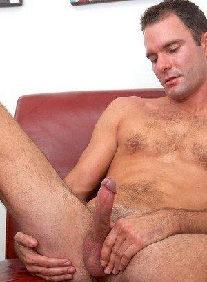 Muscle man Cameron Kincade,