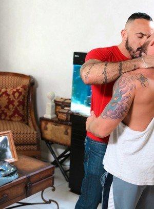 Sexy Dude Alessio Romero,Drake Jaden,