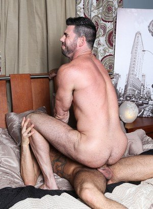 Handsome Guy Marcus Isaacs,Billy Santoro,