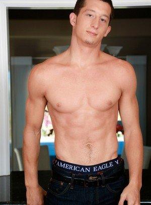 Sexy Dude Connor Maguire,