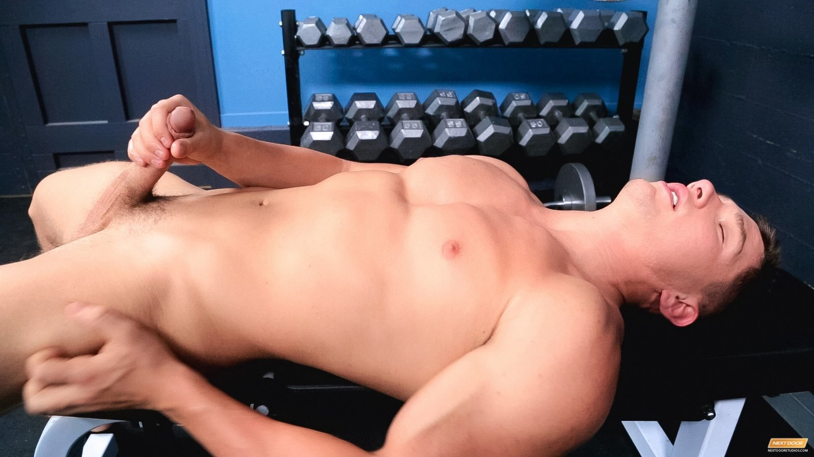 men-workout-nude