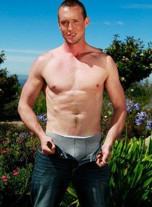 Big Dicked Gay Leo Winston,