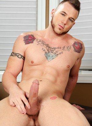 Good Looking Guy Chris Noxx,