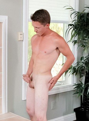 Hunky Gay Tommy Huntington,