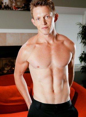 Sexy Guy Tommy Huntington,