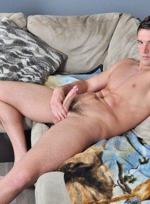 Hot Boy Trystan Bull,