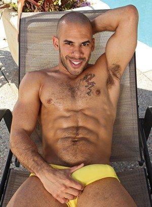 Muscle man Austin Wilde,