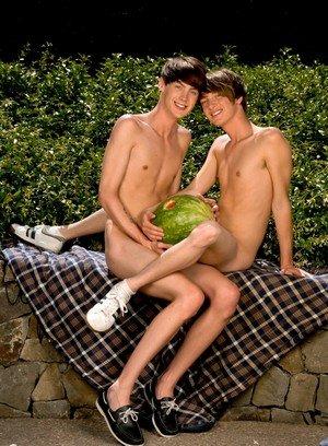 Hot Boy Elijah White,Cody Cachet,
