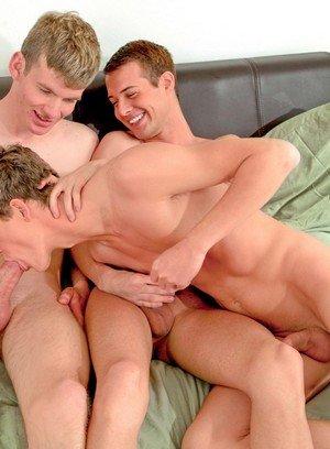 Horny Gay Preston Burgess,Chase Harding,Cody Parker,