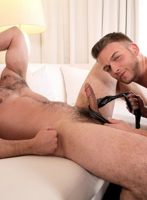 Handsome Guy Derek Atlas,Brett Beckham,