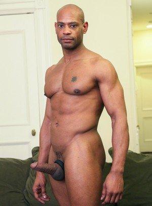 Sexy Dude Romero Santos,Marlone Starr,