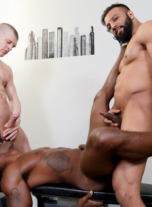 Horny Gay Damian Flexxx,Caleb King,Osiris Blade,