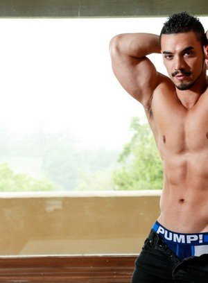 Hot Guy Arad,Zak Bishop,