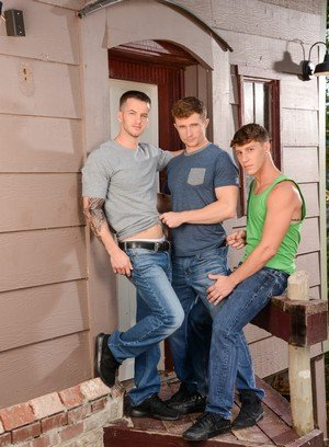 Hot Boy Quentin Gainz,Paul Canon,Markie More,