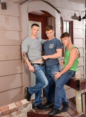 Hot Boy Quentin Gainz,Paul Canon,Markie More,