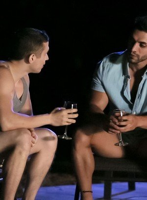 Hot Gay Arad,Dante Martin,