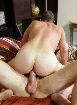 Muscle man Kaydin Bennett,Luke Ewing,