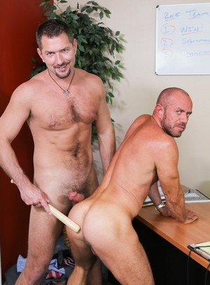 Muscle man Matt Stevens,Andrew Justice,