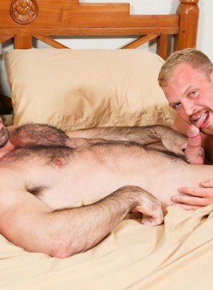 Hot Boy Billy Santoro,Josh Peters,