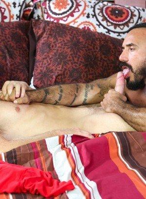 Muscle man Alessio Romero,Peter Fields,