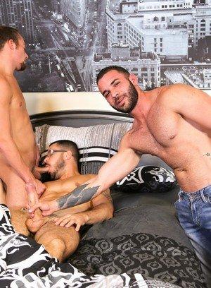 Sexy Guy Fernando Del Rio,Valentin Petrov,