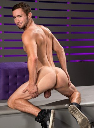 Big Dicked Colt Rivers,Nick Capra,