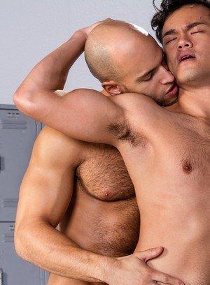 Hunky Gay Eli Lewis,Sean Zevran,
