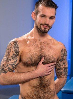 Hot Guy Chris Harder,