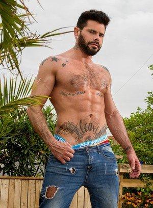 Sexy Guy Gabriel Taurus,Mario Domenech,