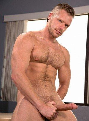 Sexy Dude Bravo Delta,Brian Bonds,