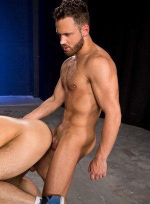 Sporty Hunk Logan Moore,Samir Hott,