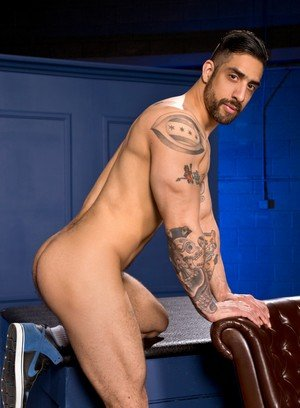 Big Dicked Logan Moore,Samir Hott,