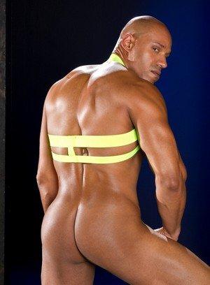 Sexy Guy Thomas,Chris Harder,