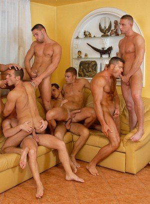 Sexy Dude Rick Bauer,Enrico Belaggio,Steve Hunt,Joshua Rodgers,