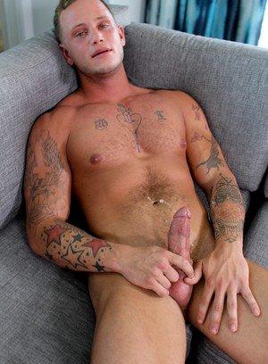 Good Looking Guy Zack Matthews,