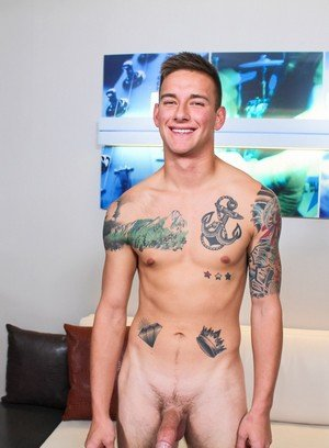 Naked Gay Matthew Reeves,