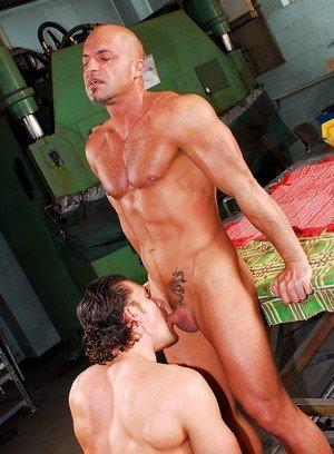 Muscle man David Bathory,