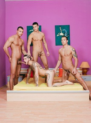 Muscle man Jason Visconti,Jimmy Visconti,Joey Visconti,Logan Mccree,