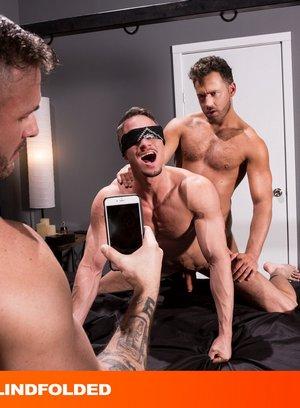 Big Dicked Gay Skyy Knox,Logan Moore,Austin Wolf,