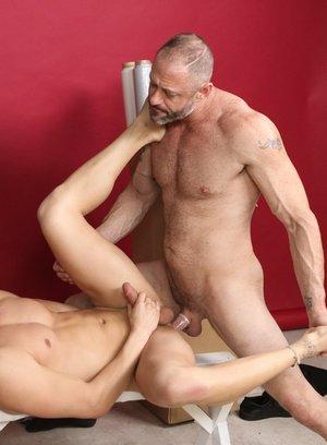 Hunky Gay Zander Cole,