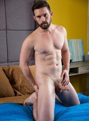 Sexy Guy Scotty Zee,Casey Jacks,