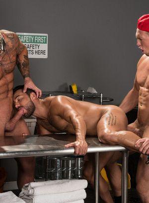 Good Looking Guy Pierce Paris,Michael Roman,Bruno Bernal,