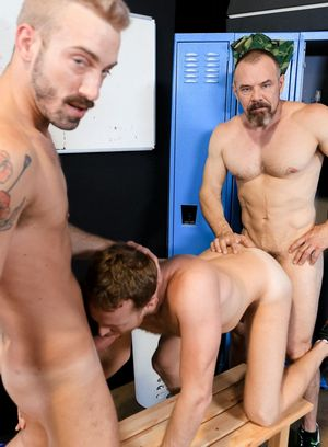 Naked Gay Max Sargent,Jett Rink,Jack Gunther,
