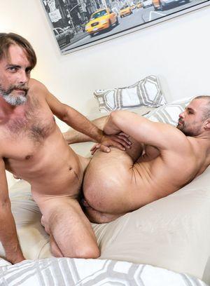 Hunky Gay Jaxx Thanatos,Joe Parker,