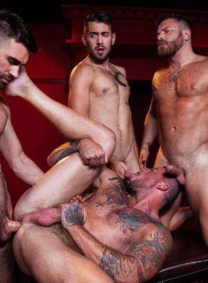 Horny Gay Dante Colle,Riley Mitchell,Sean Duran,Woody Fox,
