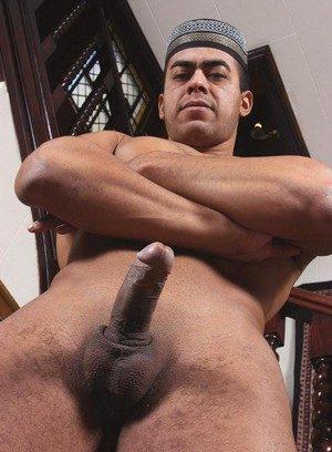 Wild Gay Hisham Abdul,