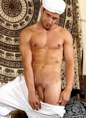 Sexy Dude Imad Aldin,